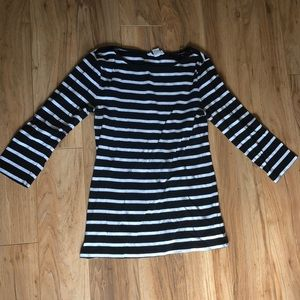 Black and white striped boat neck 3/4 sleeve shirt